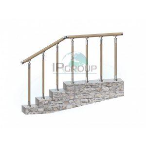 Перила из нержавейки с деревянным поручнем, на деревянных стойках на каждую ступень